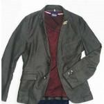 女性からウケる!男が着るジャケットとインナーの色は?