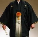 大学卒業式の服装で、男が紋付袴を着るのはアリ!?