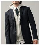 テーラードジャケットにパーカーって正直どう思われている?