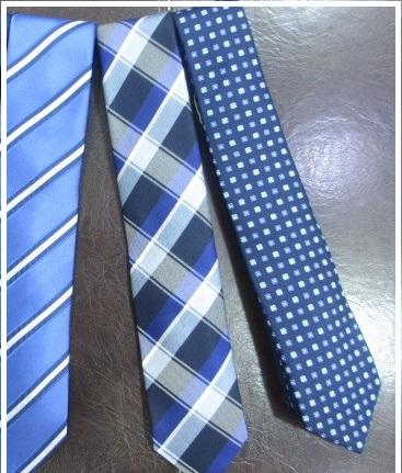 メンズ青色ネクタイ