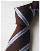 茶色のネクタイ