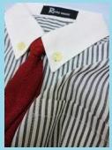 黒と白のストライプワイシャツ2