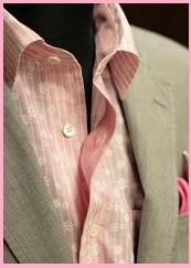 麻ジャケットピンクシャツ