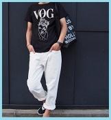黒Tシャツホワイトパンツ