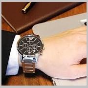 スーツにアルマーニ時計